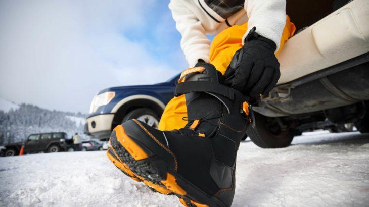 スノーボードで着替えの際にあると便利なアイテムを紹介!
