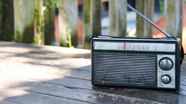 シブい! キャンプに似合うお洒落なラジオ3選!